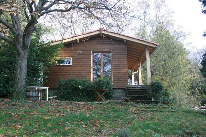 maison-bois-jardin